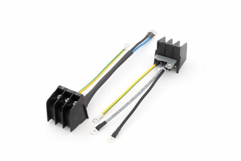 Vormontierte Anschlussklemme mit Leitungen