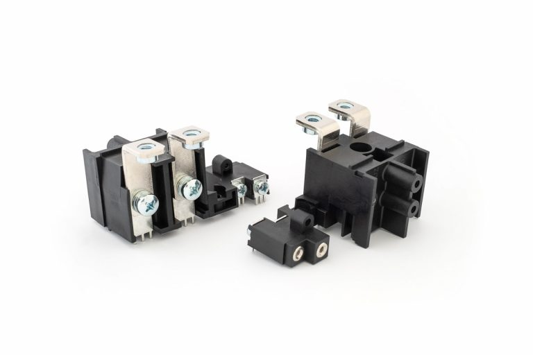 Anschlussblock für Frequenzumrichter und Achsmodulen für Spannungen von 24 bis 1.000V