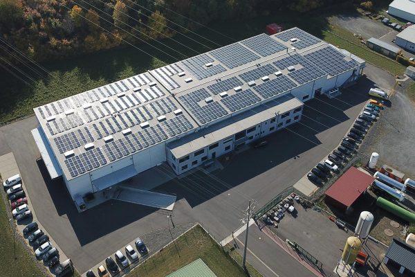 Neubau einer Photovoltaik-Aufdachanlage auf unserem Produktions- u. Lagergebäude